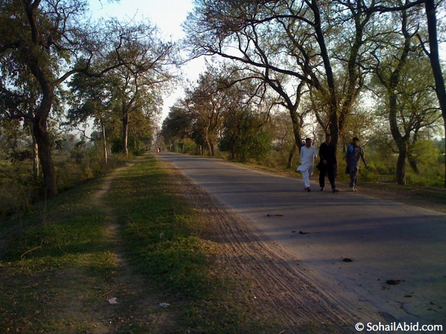 Motorcycle Tour of Pakistan: Wazirabad
